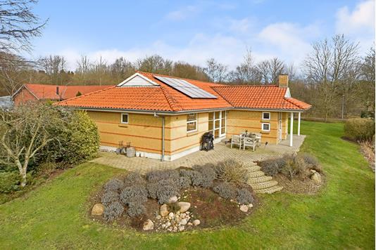 Villa på Rævebjergvej i Løsning - Ejendommen
