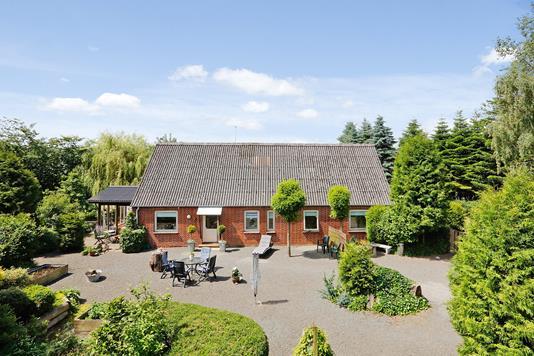 Villa på Bjerrevej i Hornsyld - Ejendommen