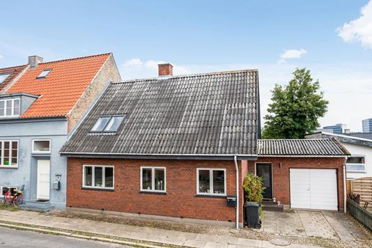 Villa på Danmarksgade i Horsens - Ejendommen