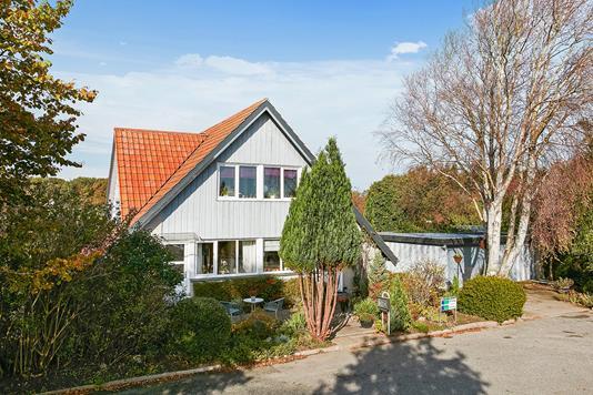Villa på Strandlystvej i Juelsminde - Ejendommen