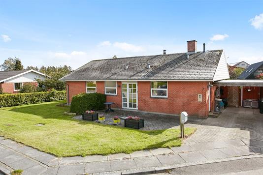 Villa på Præstevænget i Hovedgård - Ejendommen