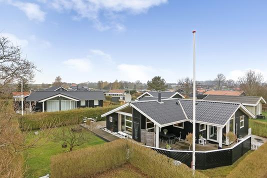 Fritidsbolig på Pærgårdkolonien i Juelsminde - Ejendommen