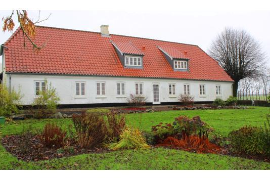 Landejendom på Skodborgvej i Rødding - Ejendommen