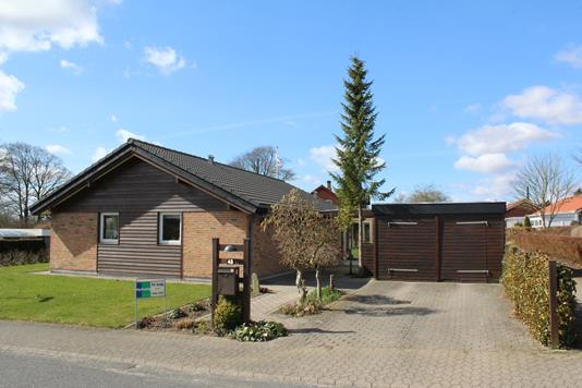 Villa på Bakkegårdsparken i Rødding - Ejendommen