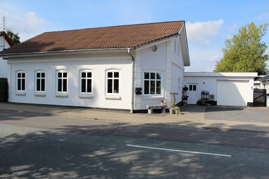 Villa på Ribevej i Rødding - Ejendommen