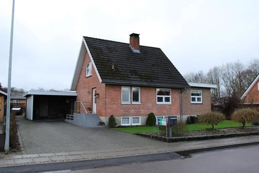 Villa på Dyrskuevej i Rødding - Ejendommen