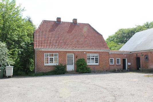 Landejendom på Sønderholmvej i Rødding - Ejendommen