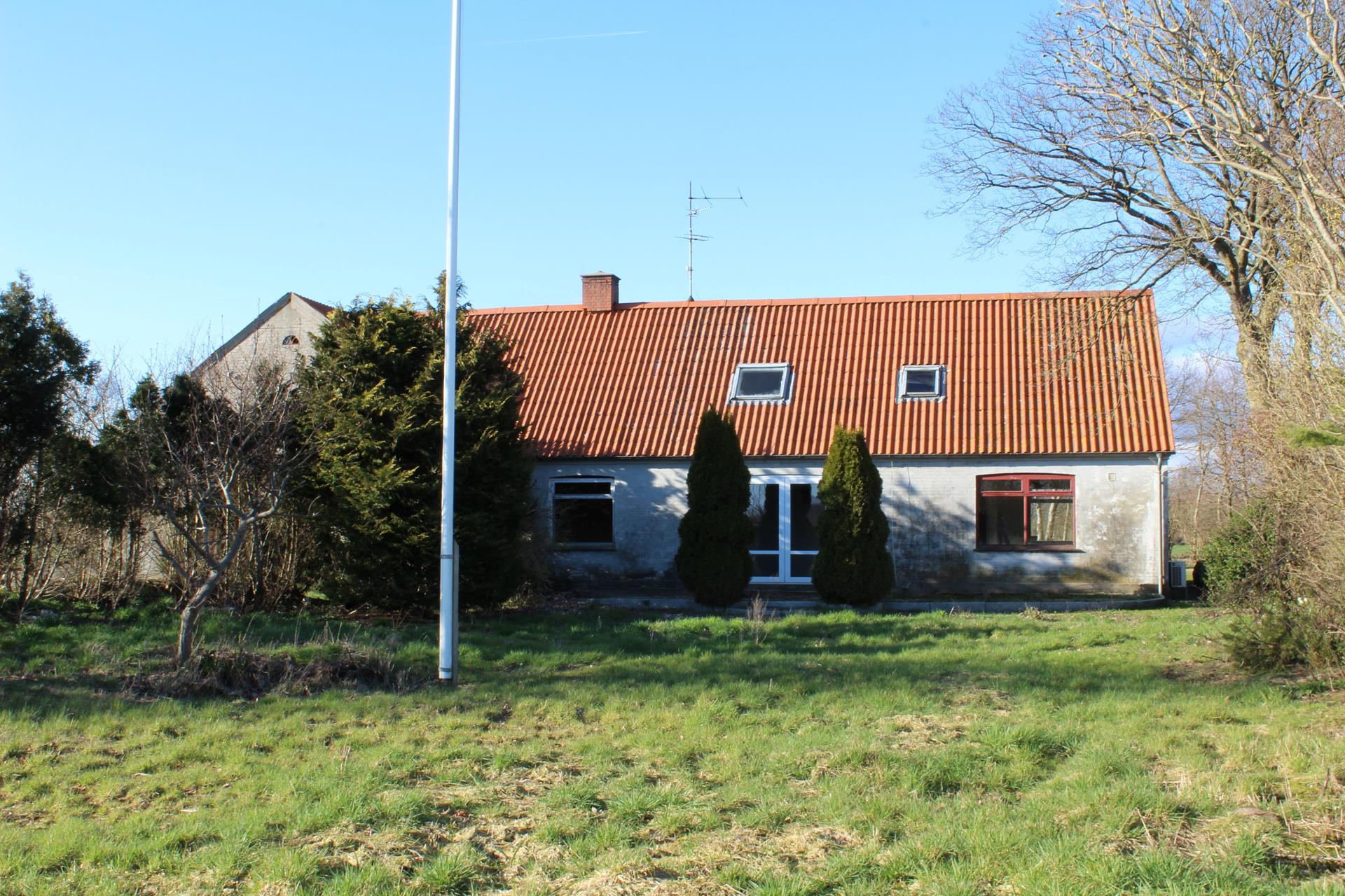 Landejendom på Knorborgvej i Rødding - Ejendommen