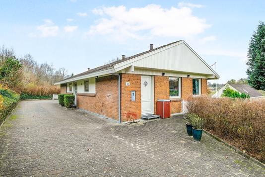 Villa på Åparken i Lunderskov - Ejendommen