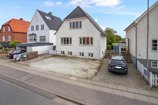 Villa på Carl Plougs Vej i Kolding - Ejendommen
