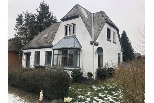 Villa på Damvej i Sommersted - Ejendommen