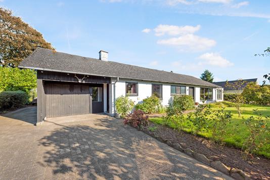 Villa på Egevej i Almind - Ejendom 1