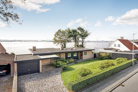 Villa på Fjordvej i Kolding - Ejendommen