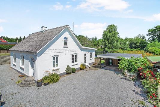 Villa på Fjællebrovej i Sjølund - Ejendommen