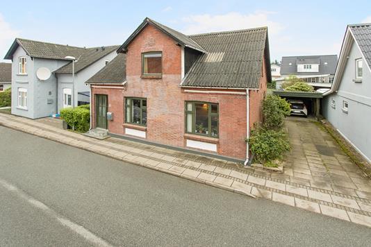 Villa på Fredensgade i Vamdrup - Ejendommen