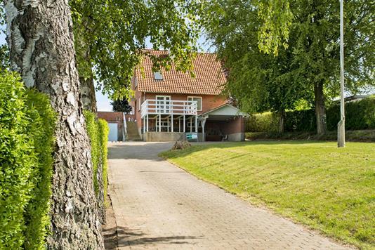Villa på Hejlsmindebakken i Hejls - Ejendommen