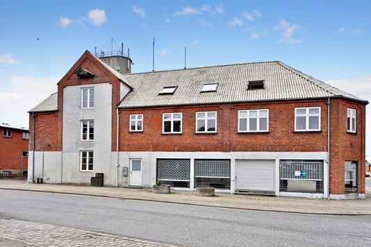 Villa på Hovedgaden i Jordrup - Ejendommen
