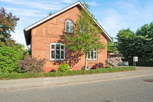 Villa på Jernbanegade i Lunderskov - Ejendommen