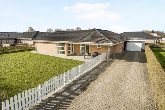 Villa på Kæmpes Ager i Vamdrup - Ejendom 1