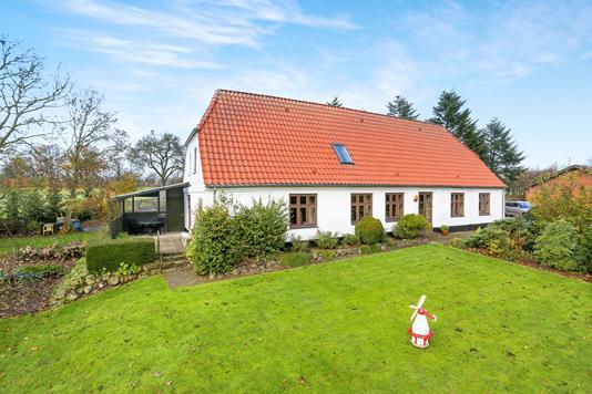Villa på Lejrskovvej i Lunderskov - Ejendommen