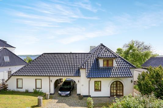 Villa på Strandvejen i Kolding - Ejendommen