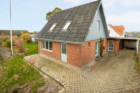 Villa på V/Buen i Lunderskov - Ejendommen