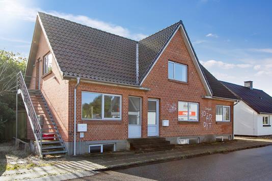 Villa på Bredgade i Haderup - Ejendommen
