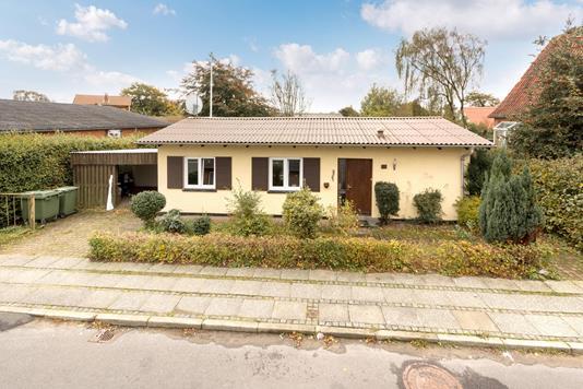 Villa på Lemvigvej i Holstebro - Ejendommen