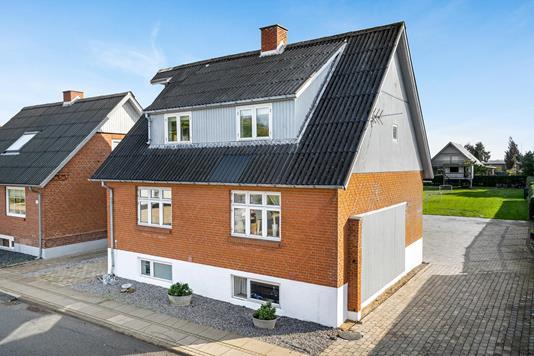 Villa på Bukdalvej i Holstebro - Ejendommen