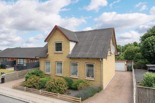Villa på Skolevej i Hjerm - Ejendommen