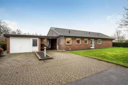 Villa på Lange-Müllers Vej i Holstebro - Ejendommen