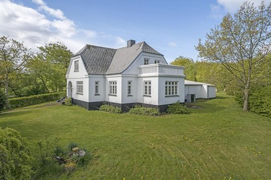 Villa på Jernbanevej i Hjerm - Ejendommen