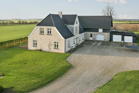 Villa på Todsbøl Gammel Skolevej i Tinglev - Ejendommen