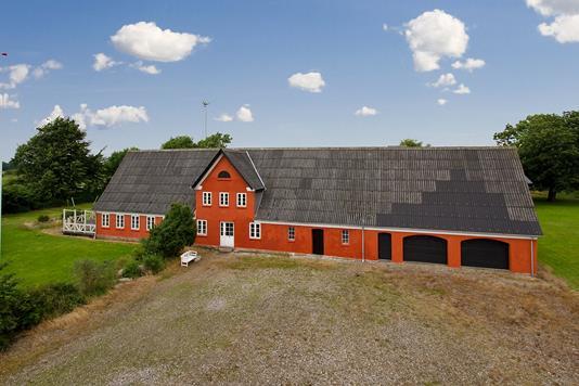 Landejendom på Nybøl Bygade i Rødekro - Ejendommen