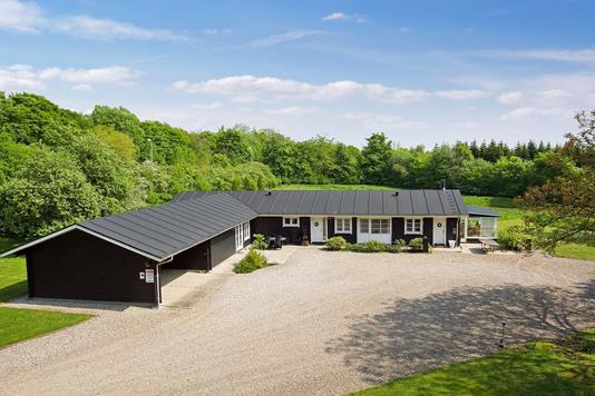 Villa på Løgumklostervej i Aabenraa - Set fra vejen