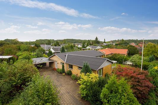 Villa på Lindbjerg i Aabenraa - Set fra vejen