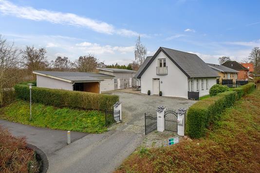 Villa på Tøndervej i Aabenraa - Set fra vejen