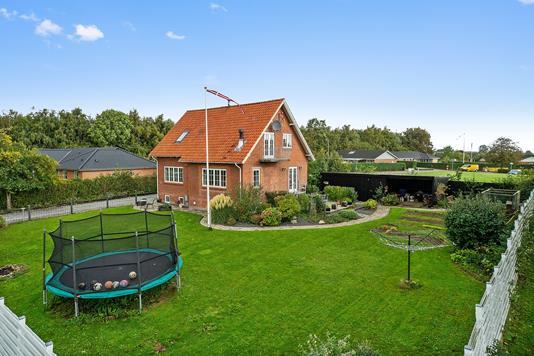 Villa på Varnæsvej i Aabenraa - Set fra haven