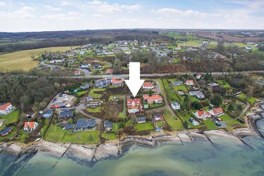 Villa på Varnæsvej i Aabenraa - Luftfoto