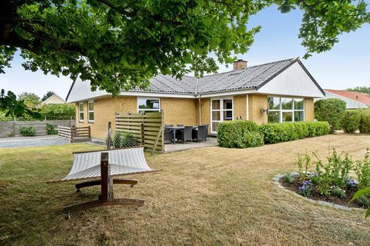 Villa på Løjt Søndervang i Aabenraa - Set fra haven