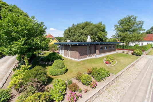 Villa på Genner Bygade i Rødekro - Set fra vejen