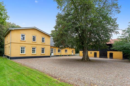 Villa på Skolegade i Rødekro - Set fra vejen