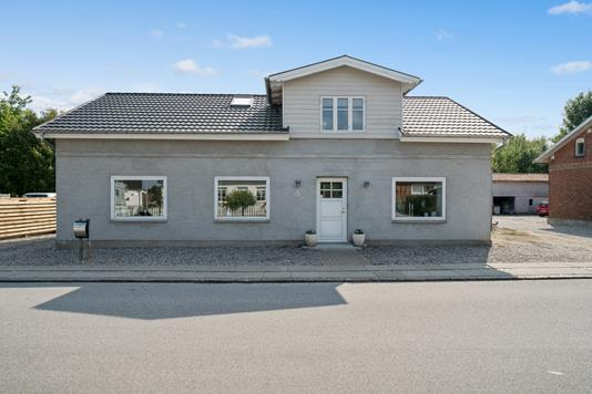 Villa på Tøndervej i Rødekro - Set fra vejen
