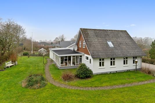 Villa på Løjt Gildegade i Aabenraa - Set fra haven