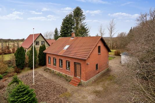 Villa på Tinglevvej i Aabenraa - Set fra vejen