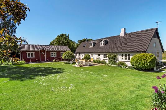 Villa på Lounsvej i Farsø - Ejendommen
