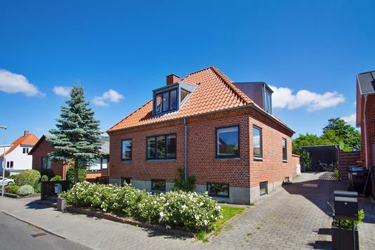 Villa på Dragsdalvej i Løgstør - Ejendommen