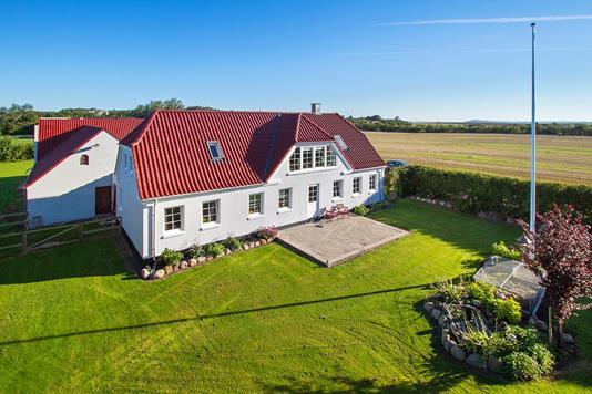 Landejendom på Tinggårdsvej i Løgstør - Ejendommen
