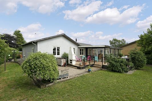 Villa på Aarsvej i Løgstør - Ejendommen