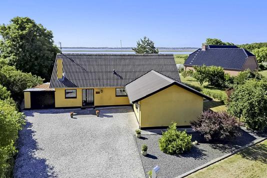 Villa på Aggersborgvej i Løgstør - Ejendommen